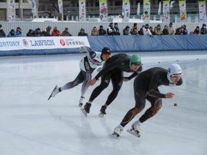成年男子1000m 高村 和選手(緑)
